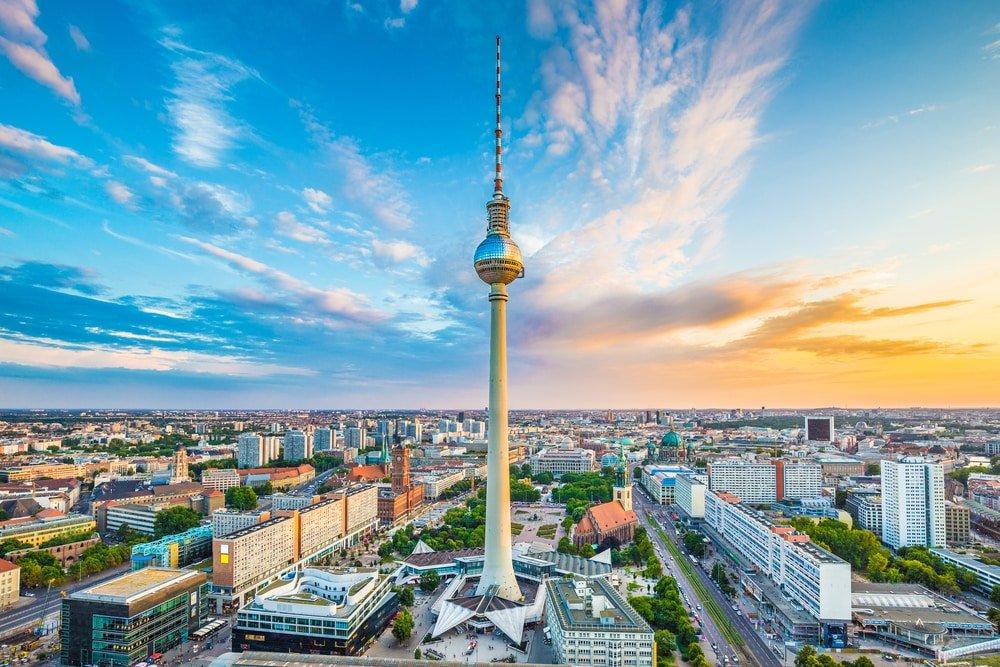 Lees meer over het artikel RALF WADEPHUL: BERLIJNS MUZIKANT, GELUIDSTECHNICUS EN DOORZETTER